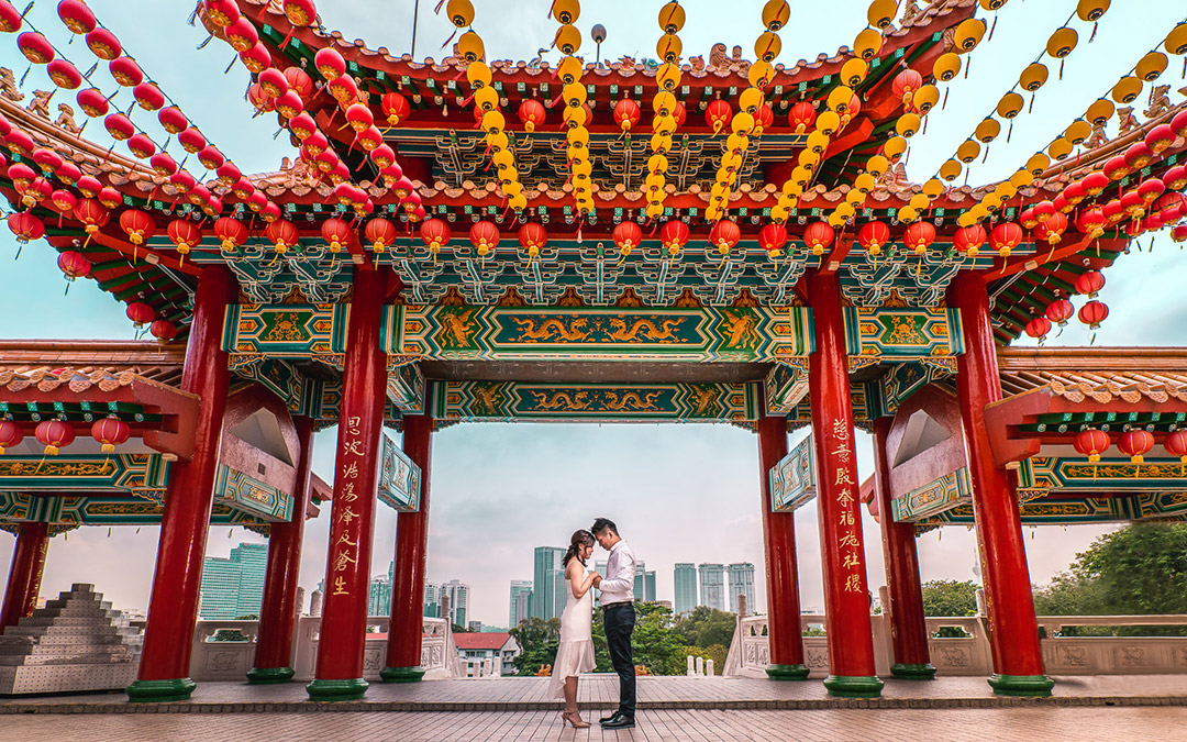 Registration of marriage in Thean Hou Temple photoshoot